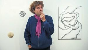 Der Künstler Jan Kaeser stellt in der Galerie vor der Klostermauer aus